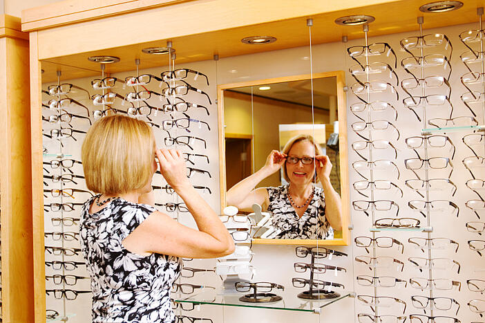 optical dispensing tips